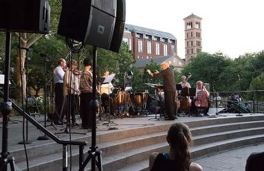 photo: Lutz Rath conducts the Washington Square Music Festival Chamber Ensemble. credit: Sally J. Bair